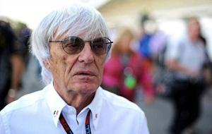 Английский бизнесмен, в настоящее время почетный президент FOM (Formula One Management) и FOA (Formula 1 Administration). Также владеет долей компании «Альфа Према»