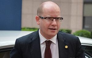 Чешский политик, министр финансов в 2002—2006, исполняющий обязанности руководителя Чешской социал-демократической партии в 2005—2006 и с 2010 года. Премьер-министр Чехии в 2014—2017 годах