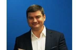 Владелец и генеральный директор сети супермаркетов «Лакмин», заключен под стражу, по версии следствия, он вместе со своим подчинённым пытался организовать убийство своего конкурента — главы сети SPAR Антона Белобрагина