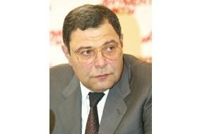 Бывший председатель совета директоров ОАО «Корпорация «ВСМПО-Ависма», директор по внешнеэкономическим связям ОАО «Корпорация «ВСМПО-Ависма»