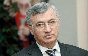 Российский промышленник, бывший руководитель контролируемых государством компаний «Транснефть» (1999—2007) и «Олимпстрой» (2007-2008)