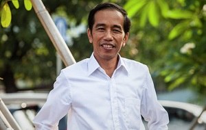 Индонезийский государственный деятель, президент страны с 20 октября 2014 года. Ранее занимал посты Губернатора Джакарты (2012—2014 годы) и мэра Суракарты (2005—2012 годы). Член Демократической партии борьбы Индонезии