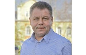 Заместитель губернатора Томской области (1995—1998; 1999—2002 и с 2012 по 2016), член Совета Федерации ФС РФ (2002—2003; 2007—2012), депутат Госдумы ФС РФ (2003—2007), полномочный представитель Президента РФ в Томской области (1998—1999)