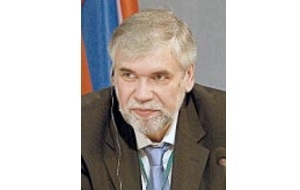 Управляющий директор корпоративного блока ВТБ, найденный мертвым в Подмосковье 6 декабря 2007 года. Несмотря на сообщения об обнаруженных признаках насильственной смерти, основной версией следствия является самоубийство