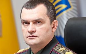 Бывший Министр внутренних дел Украины, генерал внутренней службы Украины. Бывший Председатель Государственной налоговой службы Украины, С 2015 года сотрудник Ростеха. (22 декабря, попал в санкционный список США)