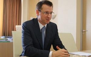 Российский специалист в области управления транспортом, генеральный директор АО «Федеральная пассажирская компания» с 2016 года. Генеральный директор ГУП «Мосгортранс» (2006—2013), министр транспорта Московской области (2015—2016)