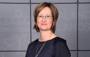 Политик Аландских островов, премьер-министр правительства Аландов (2011—2015)