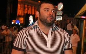 Известный украинский нефтяной магнат. Бывший член наблюдательного совета ОАО «Укрнафты»