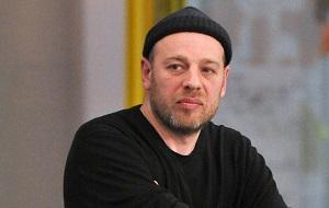 Российский журналист, главный редактор журнала «Коммерсантъ-Власть» (1999–2011) и общественно-политического медиапроекта OpenSpace.ru (2012–2013)