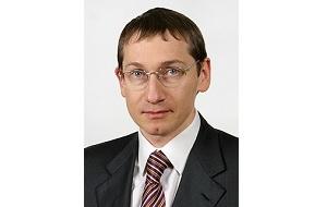 Российский экономист и политик, член Совета Федерации (2002—2011), депутат Государственной думы (2011—2016)