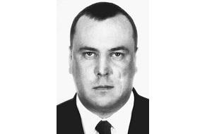 Российский предприниматель, алюминиевый король России, лидер Измайловской ОПГ. В 1993 против него возбуждено уголовное дело по факту хранения оружия, после чего он переехал в Израиль. Занимался благотворительностью и реставрировал Свято-Вознесенский монастырь. В 2001 году Погиб на территории ЮАР в результате неудачного прыжка с парашютом