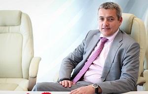 Российский управленец, генеральный директор Объединённой двигателестроительной корпорации (2012—2015), член правления и вице-президент Объединённой авиастроительной корпорации (с 2016)