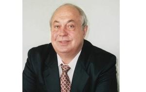 Советский и российский крупный промышленник, бенефициар корпорации «Тольяттиазот» пятнадцать лет занимавший должность президента и председателя совета директоров корпорации, но в мае 2011 года официально отошёл от дел