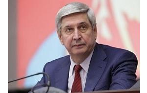 Советский и российский политический деятель.
