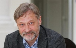 Российский политолог и политический географ. Кандидат географических наук.