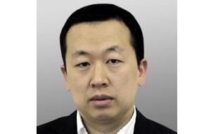 Заместитель министра связи и массовых коммуникаций, бывший замдиректора департамента государственного регулирования в экономике Минэкономразвития России.