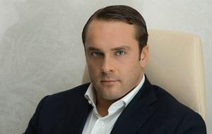Российский предприниматель, миллиардер. Учредитель и совладелец ювелирной сети «585». Соучредитель и председатель совета директоров строительной компании «Балтийский монолит»
