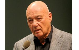 Советский, российский и американский журналист и телеведущий, первый президент Академии российского телевидения (1994—2008), писатель.
