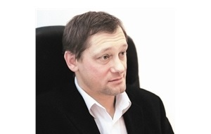 Предприниматель, первый российский долларовый миллиардер, заработавший большие деньги не на приватизации или торговле природными ресурсами, а начавший бизнес с одного рубля и производства экологических приборов