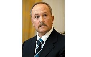 Российский государственный деятель, полномочный представитель Президента Российской Федерации в Дальневосточном федеральном округе 2 октября 2007 — 30 апреля 2009