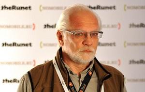 Один из первых деятелей рунета, российский ученый, директор по маркетингу сервисов компании «Яндекс». Кандидат физико-математических наук. Лауреат премии Ленинского комсомола в области науки и техники (1985). Преподаватель ВШЭ