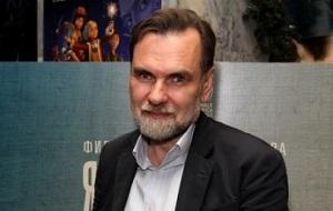 Российский кинорежиссёр, сценарист и продюсер. Руководитель кинокомпании «СТВ», соучредитель студии анимационного кино «Мельница»