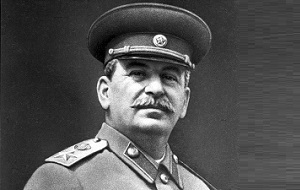 Российский революционер, советский политический, государственный, военный и партийный деятель, Генералиссимус Советского Союза (1945). С конца 1920-х — начала 1930-х годов до своей смерти в 1953 году Сталин был лидером Советского государства