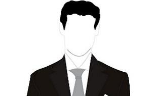 Адвокат. Бывший член совета директоров Банка Москвы и генеральный советник тогдашнего президента банка Андрея Бородина.