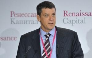 Новозеландский бизнесмен, сооснователь и бывший глава «Ренессанс Капитал» и «Ренессанс Групп», до кризиса 2008 года — ведущий инвестиционный банкир России[