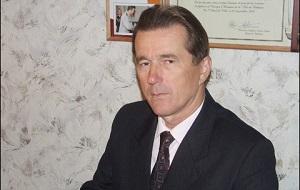 Белорусский политик. Трижды кандидат в президенты Республики Беларусь (1994) (2010) (2014). Беспартийный. Женат. Имеет трёх дочерей и внучку.