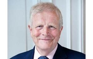 Английским юрист, Глава компании Group Menatep Ltd, которой принадлежат 51% акций Юкос