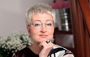Российская писательница-прозаик, автор детективных романов, сценарист, переводчица и телеведущая