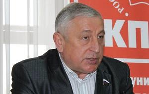 Депутат Государственной Думы с 1993 года, на данный момент входит в состав фракции КПРФ. Член ПАСЕ. Кандидат экономических наук. Принимал участие в президентских выборах 2004 года, на которых занял второе место (13,69 % голосов избирателей)