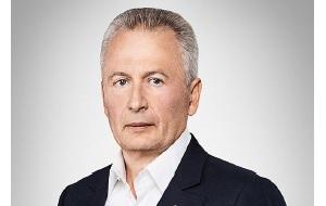 Председатель совета директоров и владелец Военно-страховой компании