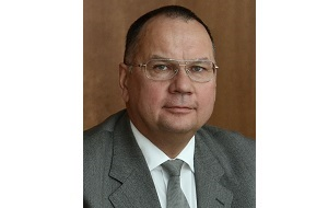 Советский и российский журналист, историк и общественный деятель. Кандидат исторических наук