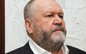 Предприниматель, менеджер, совладелец и вице-президент холдинга «Сибуглемет», контролирует Шахту Полосухинская, владеет ОАО «Кузнецкая молочная компания»