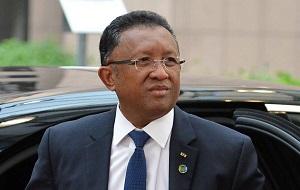Мадагаскарский политический и государственный деятель, президент Мадагаскара с 25 января 2014 года