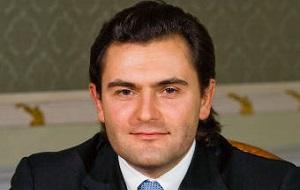 Российский предприниматель, председатель правления Московского банка реконструкции и развития (2000—2004), руководитель департамента инвестпроектов АФК Система. Президент компании «Интурист»