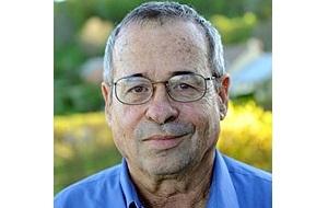 Израильский биохимик и биофизик,  лауреат Нобелевской премии по химии за 2013 год
