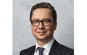 Независимый директор «Норильский никель» ,Президент ООО «Си Ай Эс Инвестмент Эдвайзерс»