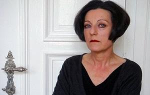 Немецкая поэтесса и писательница, общественный деятель, художник. Лауреат Нобелевской премии по литературе 2009 года с формулировкой «с сосредоточенностью в поэзии и искренностью в прозе описывает жизнь обездоленных»