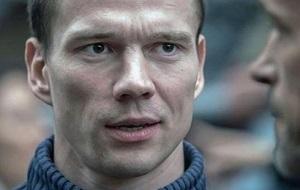 Российский оппозиционный гражданский активист, первый осуждённый в России за неоднократное нарушение правил проведения митингов и пикетов.