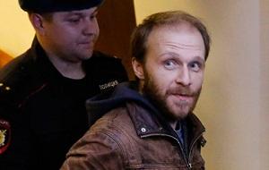 Российский фотограф, обвиняемый в хулиганстве вместе с 29 членами экипажа судна Greenpeace «Арктик Санрайз»