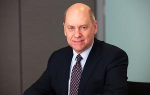Независимый неисполнительный директор и член комитета по борьбе с финансовой уязвимостью «HSBC Bank», Бывший глава британской контрразведки MI5