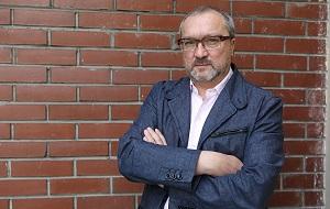 Российский теле- и кинопродюсер. В 1995 году основал российскую кинокомпанию «Централ Партнершип», генеральным директором которой был до 2011 года. В ноябре 2011 года создал компанию «Марс Медиа Энтертейнмент», приоритетным направлением деятельности которой является кино- и телепроизводство