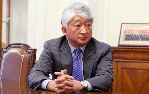 """Крупный казахстанский предприниматель. Президент и крупный акционер Группы «KAZ Minerals», занимающейся добычей и переработкой цветных и драгоценных металлов. Президент """"Холдинга Казахмыс"""""""