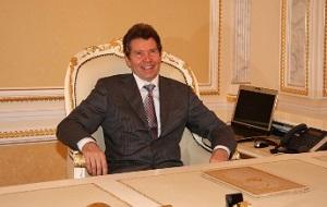 Председатель совета директоров ГК «Славянский мир», генерального директора НИИ «Теплостен»