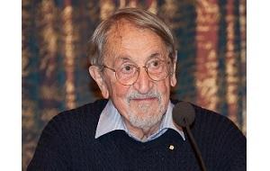 Американский химик-теоретик, лауреат Нобелевской премии по химии за 2013 год совместно с Майклом Левиттом и Арье Варшелем с формулировкой за «компьютерное моделирование химических систем»