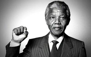 Южноафриканский государственный и политический деятель. Президент ЮАР с 10 мая 1994 года по 14 июня 1999 года, один из самых известных активистов в борьбе за права человека в период существования апартеида, за что 27 лет сидел в тюрьме