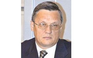 """Генеральный директор «НВК Инвест», также известен как организатор авиасалонов МАКС с 2002-2006. Кандидат в мэры города Жуковского (Московская область), выдвинутый от партии """"Гражданская платформа"""" (2009)"""